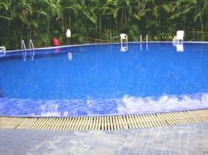Little Glass - Swimming Pool
